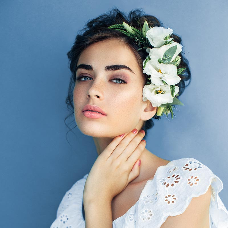 Bruidsmake-up, feestmake-up, make-up en visagie door Care & Co met MALU WILZ Beauté producten.